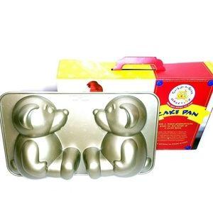 Build A Bear Workshop 3D Cake Pan Nordic Ware